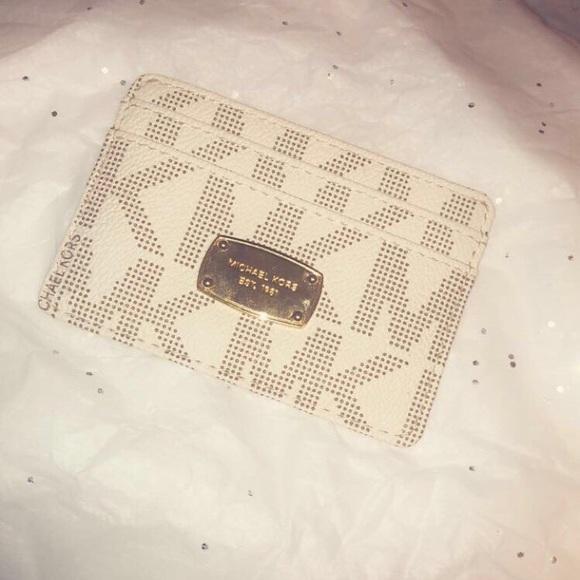 Michael Kors Handbags - Michael Kors vanilla jetset card case
